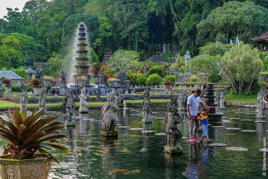 Bali, jardin des dieux... île aux enfants