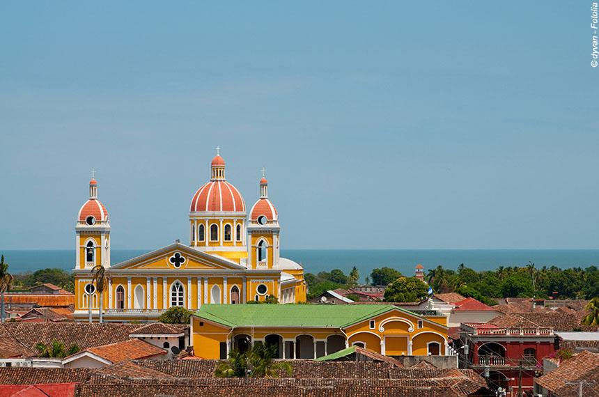 Entre cités coloniales, volcans et côte Pacifique