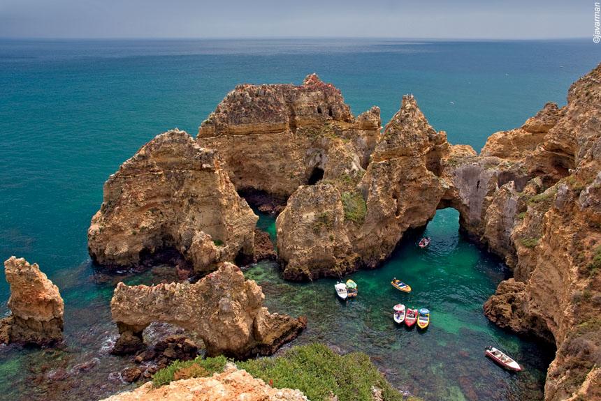 Criques sauvages, monts et villages blancs d'Algarve