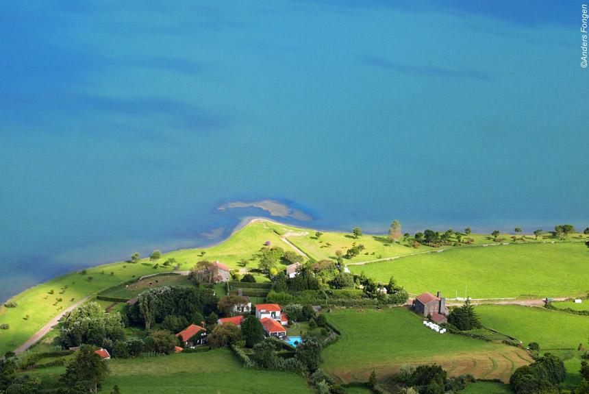 Voyage à pied : L\'archipel des Açores, chemins d\'hortensias