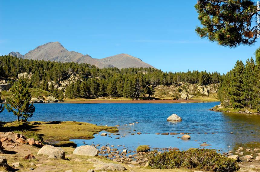 Voyage à pied : Font-Romeu, lacs et soleil du Capcir en douceur
