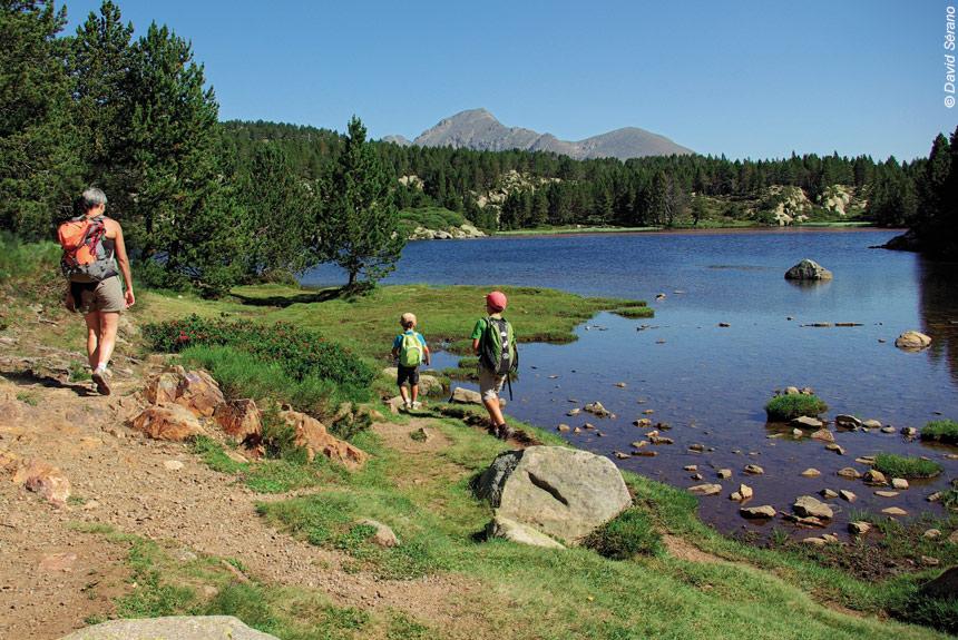 Voyage à pied : Le Tour des lacs du Capcir en douceur