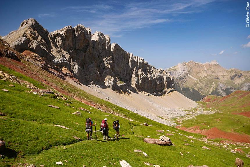 Voyage à pied : Le meilleur des Pyrénées, de l\'Atlantique à la Méditerranée
