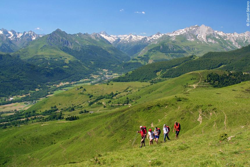 Voyage à pied : Belvédères du Val d\'Azun, rando en douceur