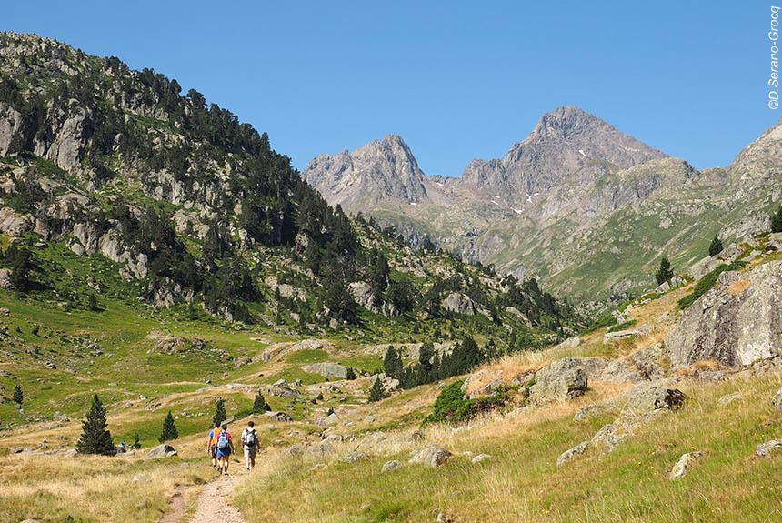 Voyage à pied : De Cauterets à Gavarnie, traversée au cœur du Parc National