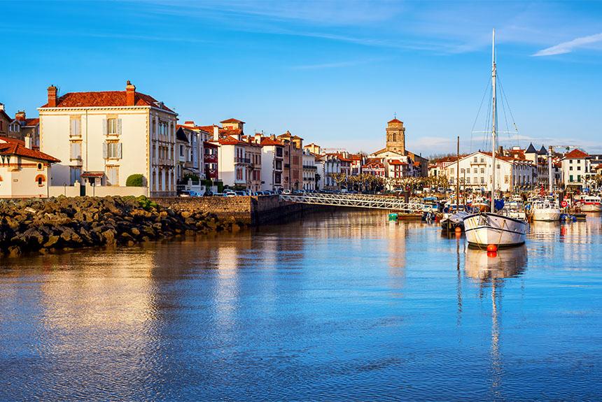 Voyage à pied : De la montagne à l\'océan, traversée douillette du Pays Basque