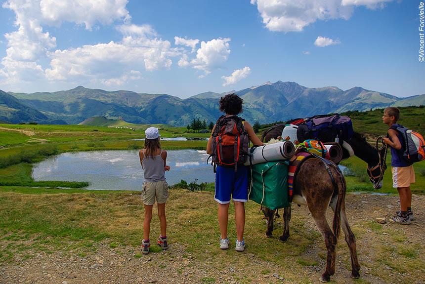 Voyage avec des animaux : Le Tour du Val d\'Azun accompagné, avec des ânes