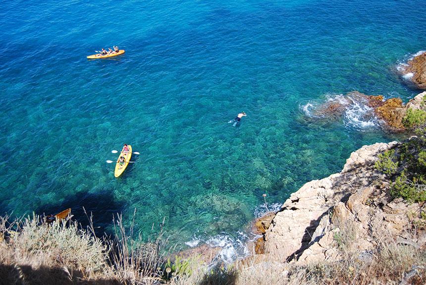 Voyage sur l'eau : Sentiers maritimes et kayak en Costa Brava