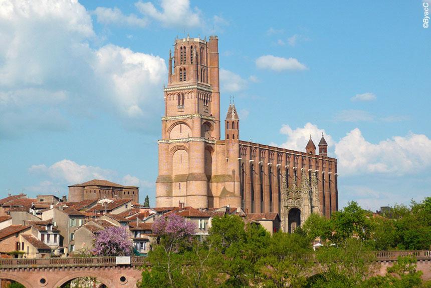 Voyage à pied : Villages et Bastides en Albigeois, les histoires qui ont fait l\'Histoire