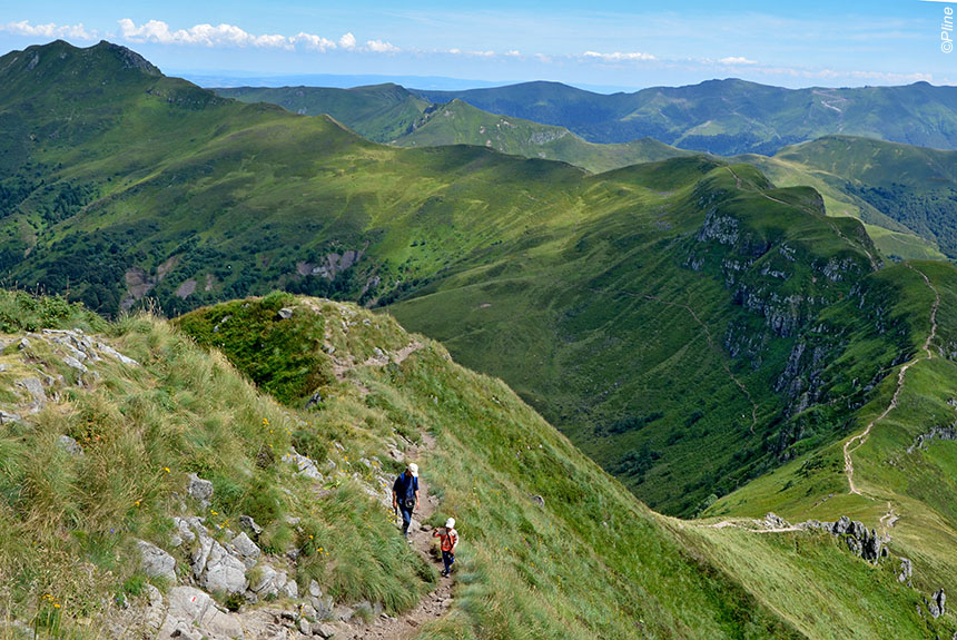 Voyage à pied France : Auvergne Le Parc des Volcans du Sancy au Cantal