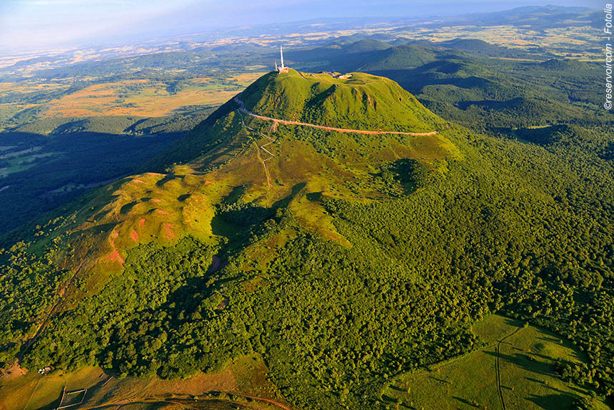 Voyage à pied France : Auvergne Le Parc des Volcans du Puy de Dôme au Cantal
