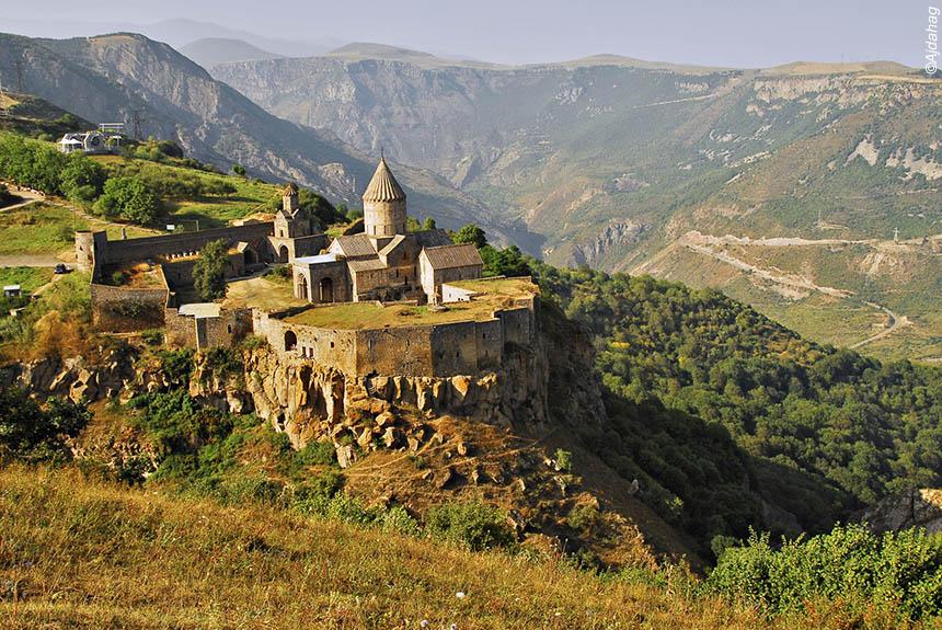Voyage à pied : Balade orientale de l\'Iran à l\'Arménie