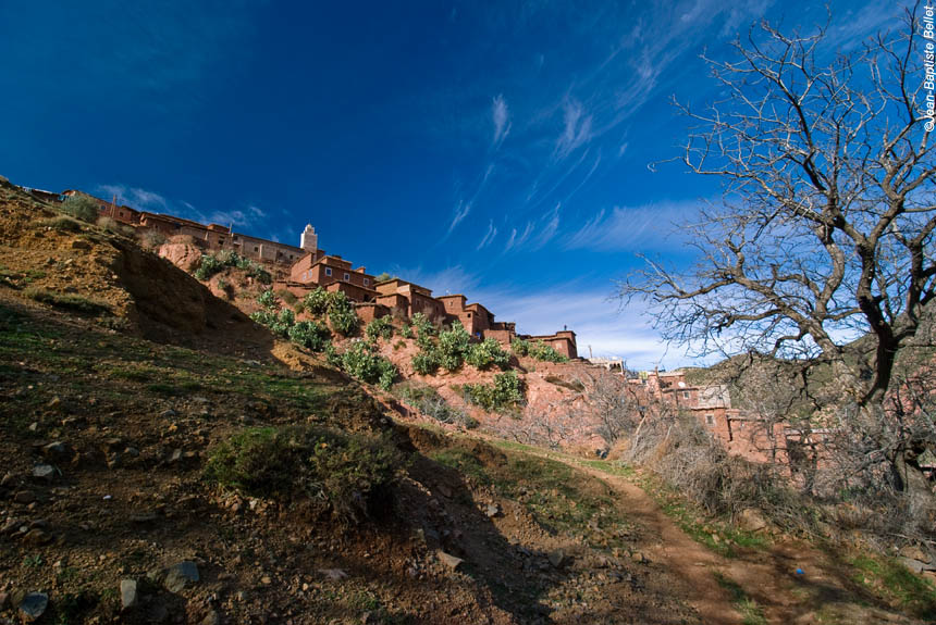Voyage à pied : Des Aït Bougmez au sommet du M\'Goun