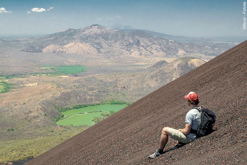 Voyage à pied : Terre des lacs et des volcans