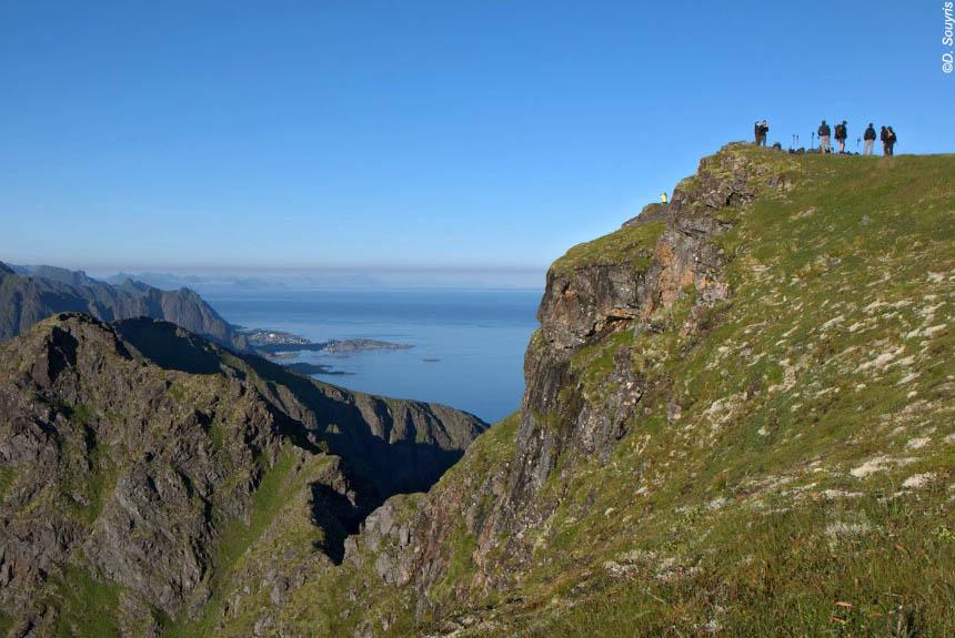 Sommets et crêtes des îles Lofoten