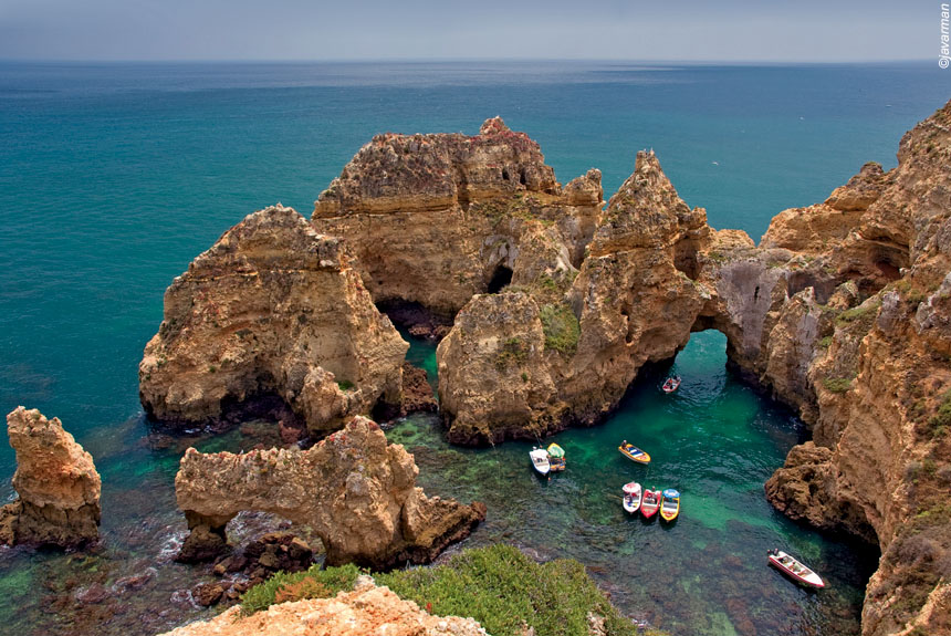 Voyage à pied : Criques sauvages, monts et villages blancs d\'Algarve